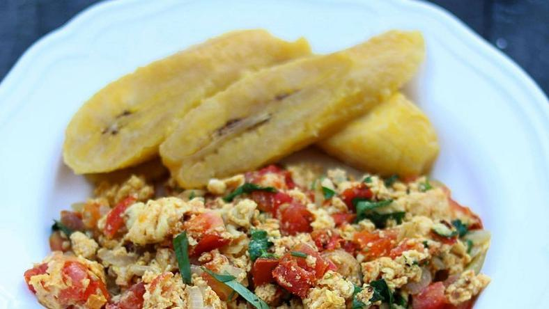 How to prepare egg stew and boiled ripe plantain (Foodace)