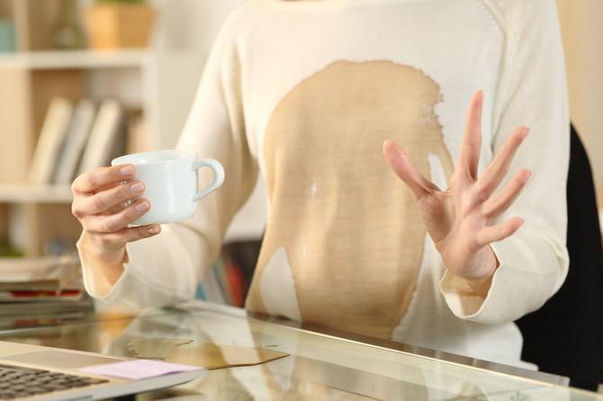 Evo kako da lako i brzo otklonite fleke od kafe sa odeće