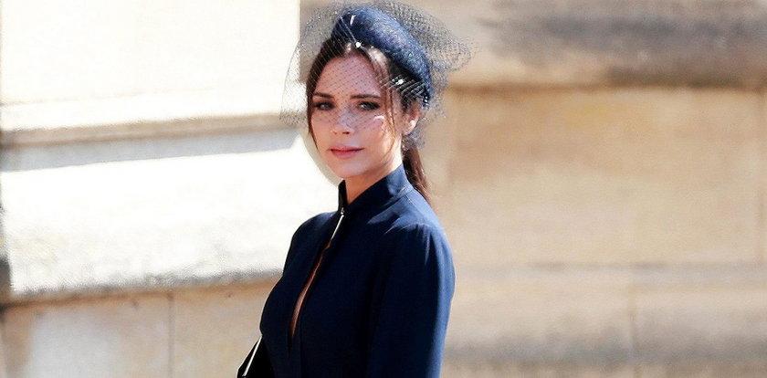 Gafa Victorii Beckham na ślubie? Internauci bezlitośni