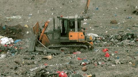 Na terenie wysypiska śmieci w Rudnej Wielkiej kontrolerzy WIOŚ wykryli nielegalne i niebezpieczne dla zdrowia odpady medyczne. Sprawę badają śledczy.