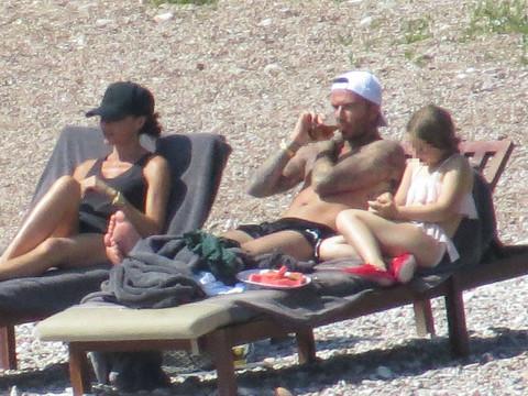 EKSKLUZIVNI PAPARACO! Otkrivamo u kakvim uslovima Bekamovi odmaraju u Crnoj Gori