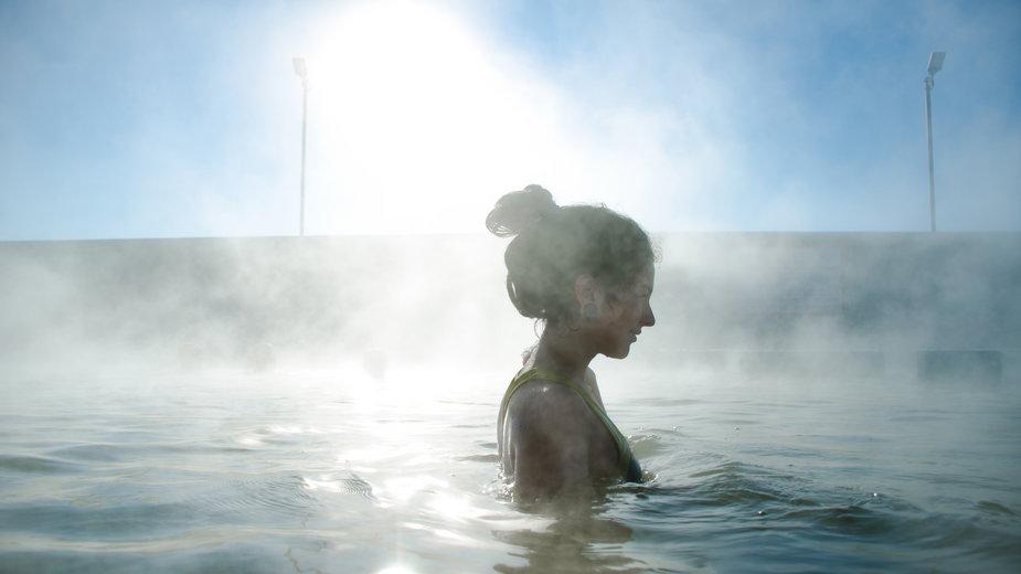 """Kąpiel w """"gorących źródłach"""" (zdjęcie ilustracyjne)"""