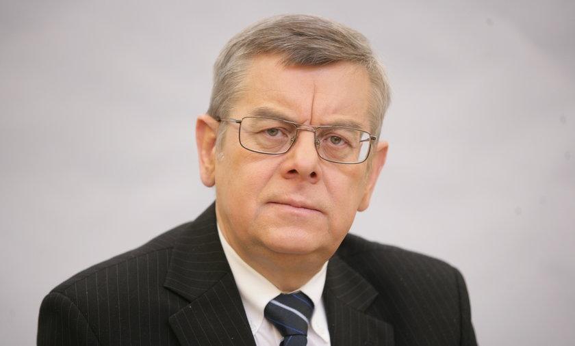Prof. Tomasz Nałęcz rozmawiał z Faktem o symbolach narodowych.