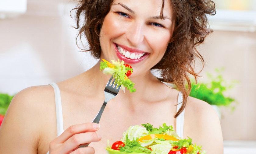 Dietetyk prześwietlił 10 popularnych diet