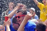Novi Sad 3355 slavlje maturanata trtg mladenaca poslednji dan skole alkohol zurka foto Robert Getel