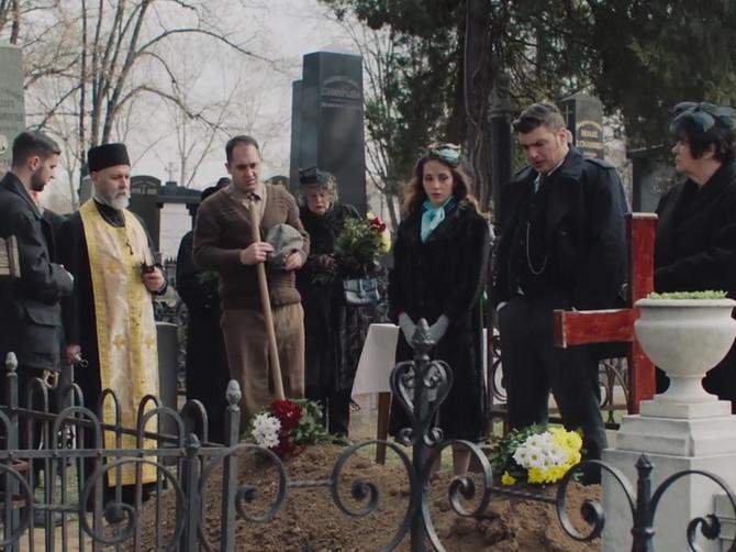 """Cela Srbija gleda """"Senke"""", a malo ko je shvatio ŠTA SE KRIJE iza scene na početku epizode: """"Zaista nas je napustio 15 dana ranije"""""""