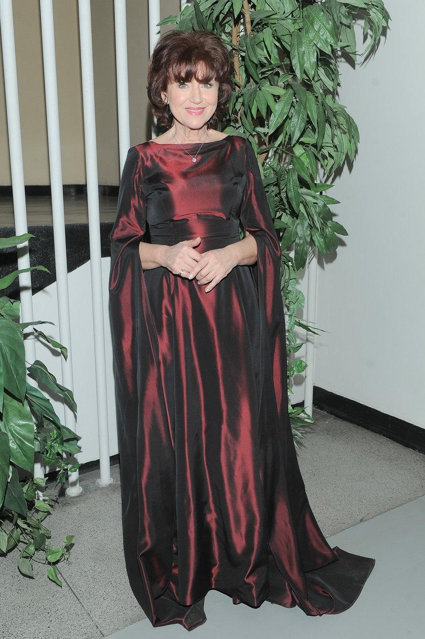 Halina Frąckowiak w sukni