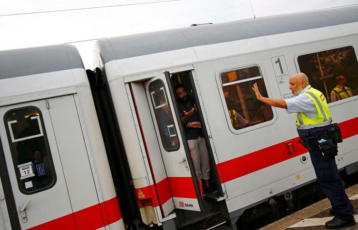 dojče ban, voz nemacka_foto Reuters (6)