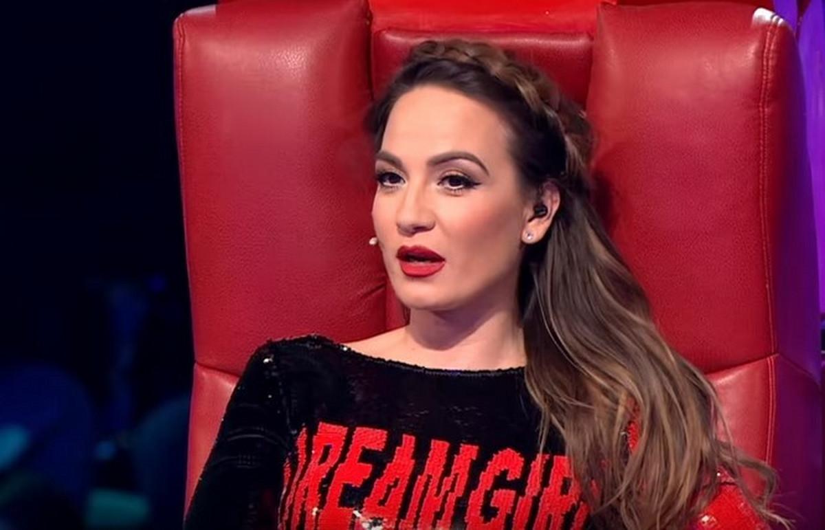 "Jelena Tomasevic nakon cetiri godine NAPUSTILA ZIRI ""Pinkovih zvezdica"", pa se oglasila: ""Doslo je vreme da se rastajemo..."""