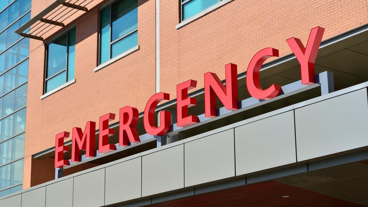 Felháborító: valaki feljelentett egy mentőtisztet, mert megállt ebédet venni magának