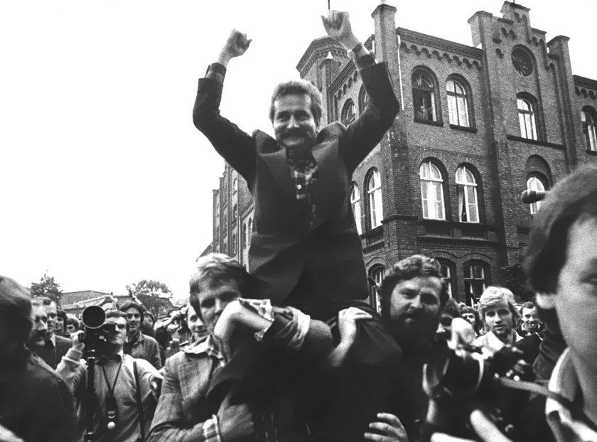 Ekspert IPN podkreślł jednak, że ujawnione dokumenty Stasi nie rozstrzygają ostatecznie kwestii współpracy Lecha Wałęsy z SB.