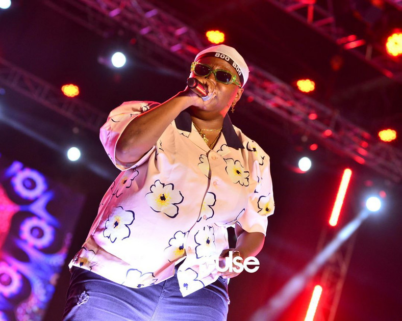 Teniola doing her thing at the GidiFest 2019 [Pulse]
