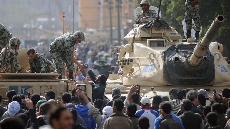 Wojsko nie dopuszcza turystów do piramid w Gizie