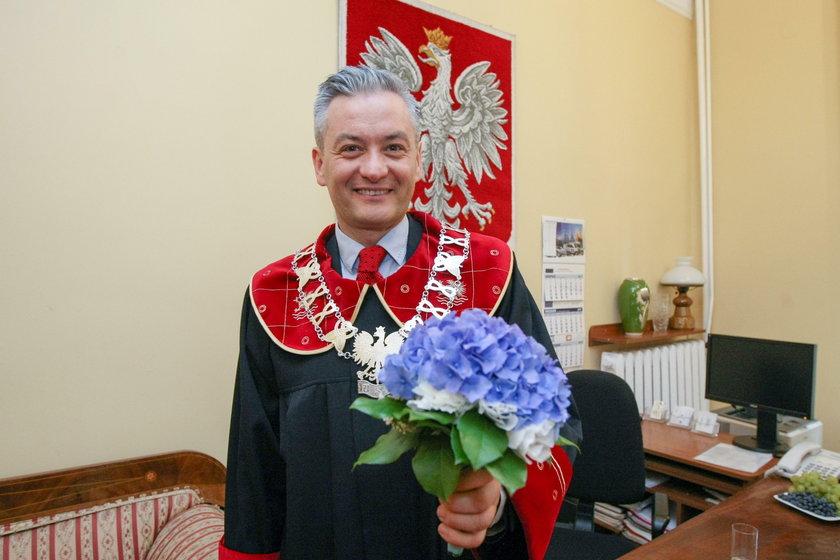Dziwne skarpetki prezydenta Słupska. Co na to PiS?