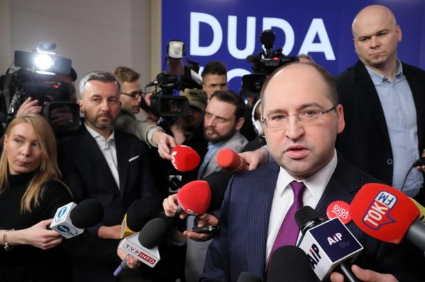 """Adam Bielan zwrócił uwagę, że Kidawa-Błońska otacza się ludźmi Tuska, a - jego zdaniem - """"Tusk słynie z bardzo brutalnej gry politycznej"""""""