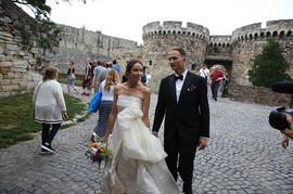 Uz ovu pesmu Dušan i Jelena igraju prvi svadbeni ples: Ima li veće SIMBOLIKE OD OVOG KLASIKA?