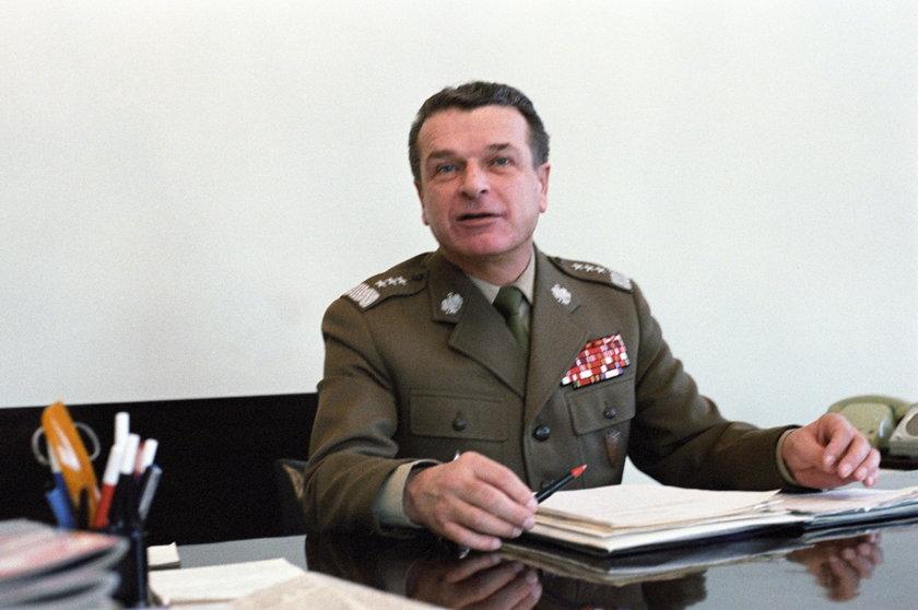 Gen. Kiszczak jest jednym z autorów stanu wojennego