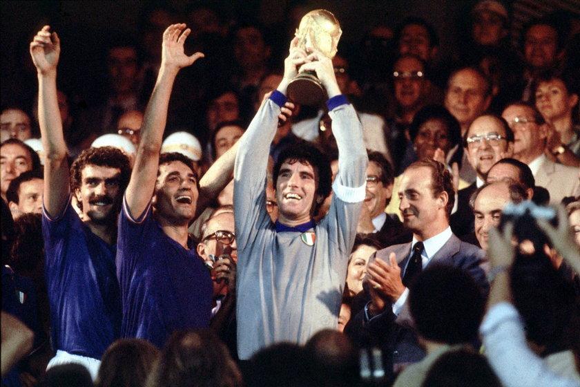 Legenda włoskiej piłki w szpitalu. Nie może chodzić!