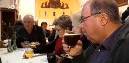 W kościele proboszcz sprzedaje alkohol!