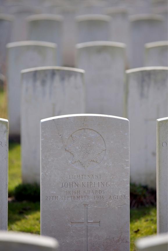 Istoričari tvrde da ovde leže posmrtni ostaci Džona Kiplinga