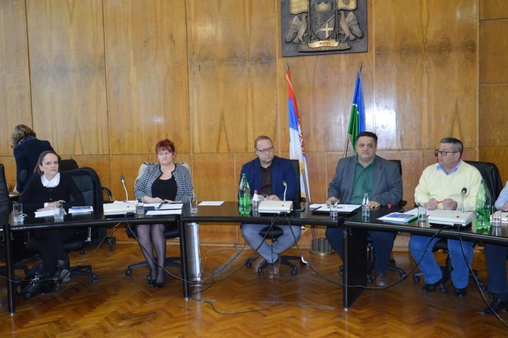 Bor 01 debata o korupciji u boru foto d.kecic