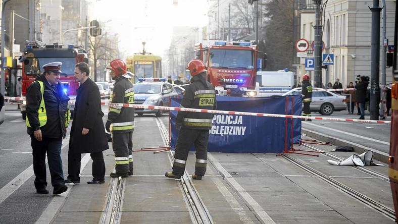 Pijany motorniczy nie zatrzymał się na przystanku i wjechał na skrzyżowanie Piotrkowskiej z Radwańską na czerwonym świetle