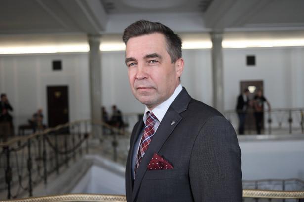 Były poseł Nowoczesnej Zbigniew Gryglas w ostatnich wyborach parlamentarnych do Sejmu kandydował z listy PiS; mandatu jednak nie uzyskał