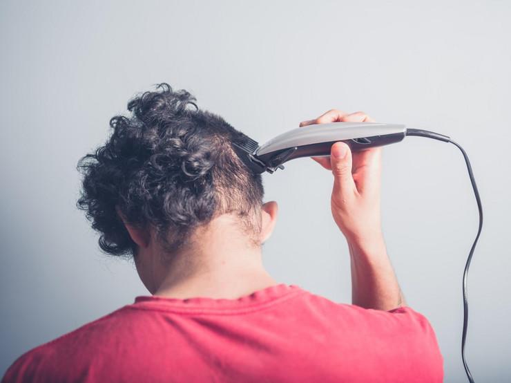masinica sisanje frizura ilustracija