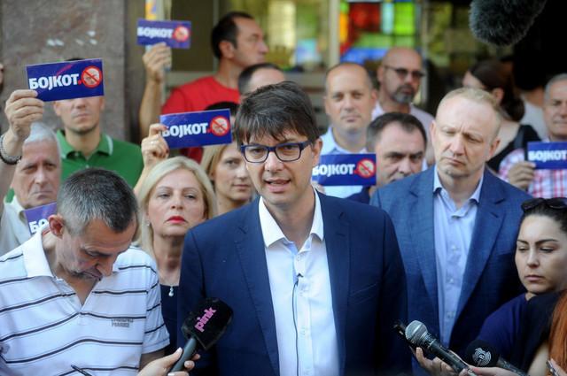 Jovanović skreće pažnju sa sramnih izjava koje je dao, smatra Cvetić