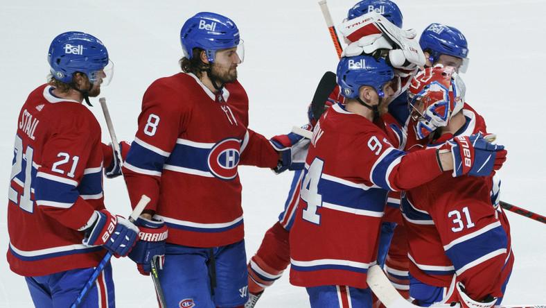 Hokeiści Montreal Canadiens celebrujący awans do finału Pucharu Stanleya