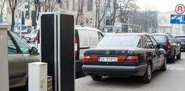 Czarne skrzynie skrywają parkomaty