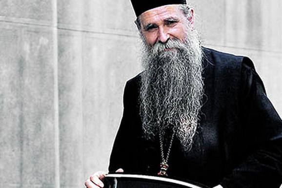 Episkop Joanikije se oporavlja od korona virusa i OSEĆA SE BOLJE