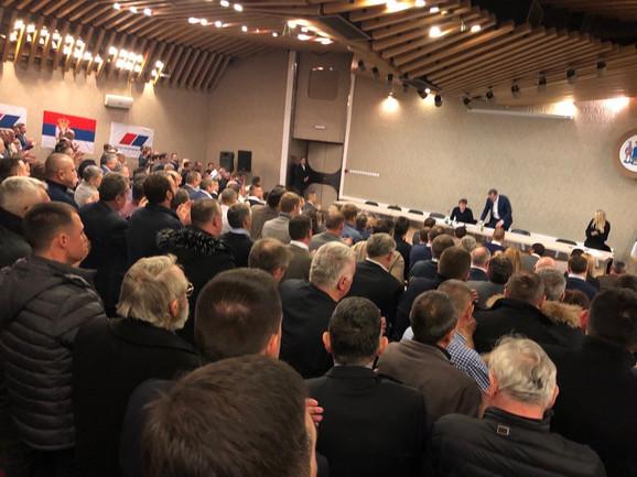 U toku sastanak o izborima