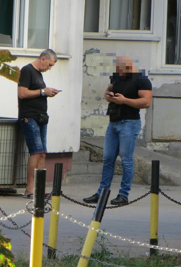 Siniša Kulić sa čovekom iz produkcije