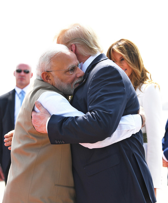 Srdačan zagrljaj dva lidera
