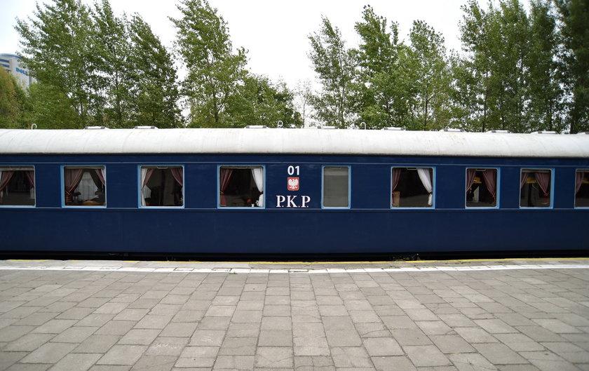 Wyjątkowa wystawa w Muzeum Kolejnictwa. Tym wagonem jeździł Bierut