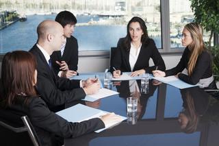 Janik: Samorząd zawodowy niczym korporacja