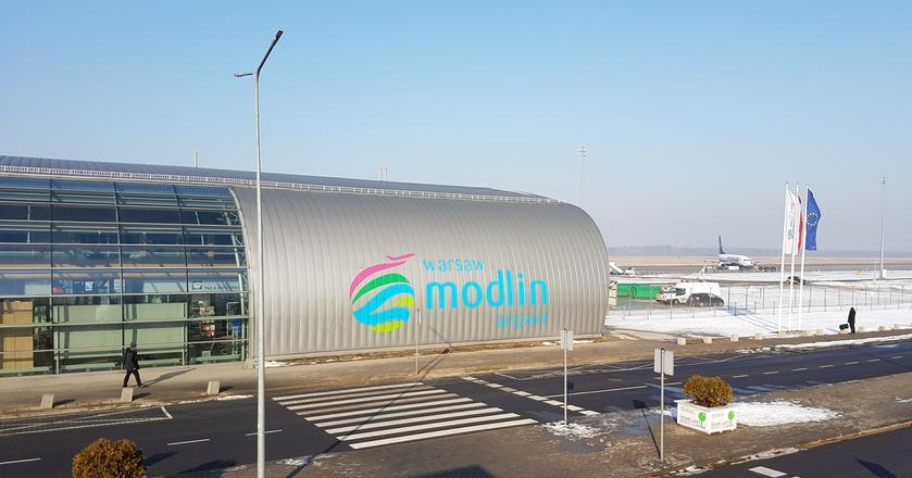 Lotnisko Warszawa-Modlin zostanie zastąpione przez port w Radomiu?