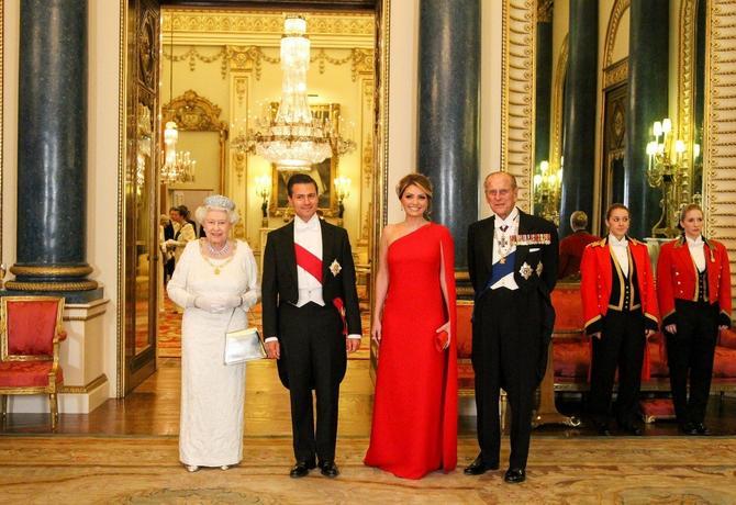 Sa suprugom, britanskom kraljicom Elizabetom II i princom Filipom 2016. u Londonu