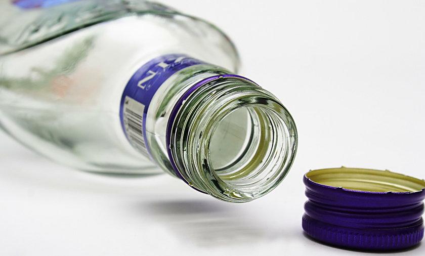 Za butelkę wódki uśmiercili 8 szczeniaków