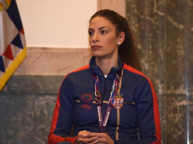 Stigla je u Beograd: Blistala njena medalja, a blistao i DETALJ koji joj daje najveću snagu