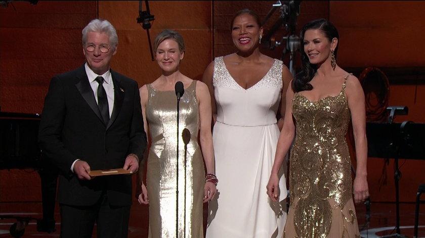 Renee Zellweger, Richard Gere, Queen Latifa i Catherine Zeta Jones wręczają Oscara