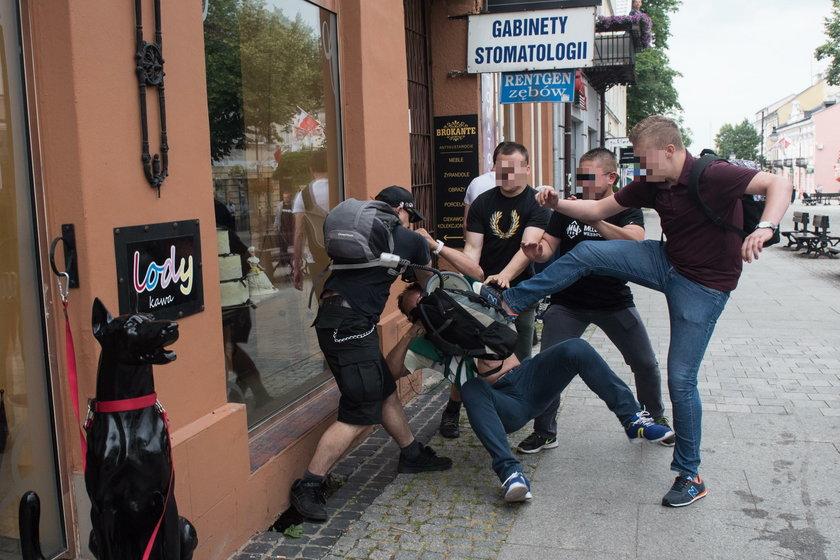 Odwołano komendanta policji w Radomiu. Zarzuty dla agresorów