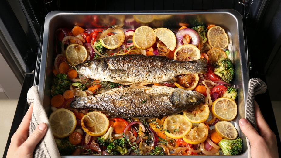 Rybę można przygotować w całości lub wykorzystać filety - Africa Studio/stock.adobe.com
