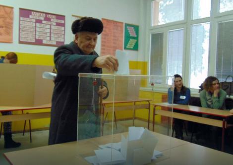 Do devet sati glasačko pravo u Sevojnu iskoristili 4.09 odsto birača