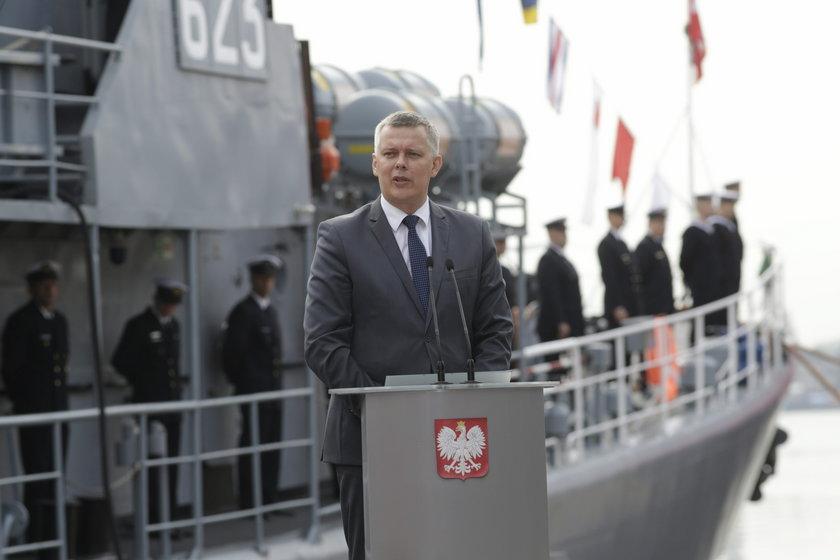 Siemoniak: Wyjaśnić telefony z Rosji do żołnierzy