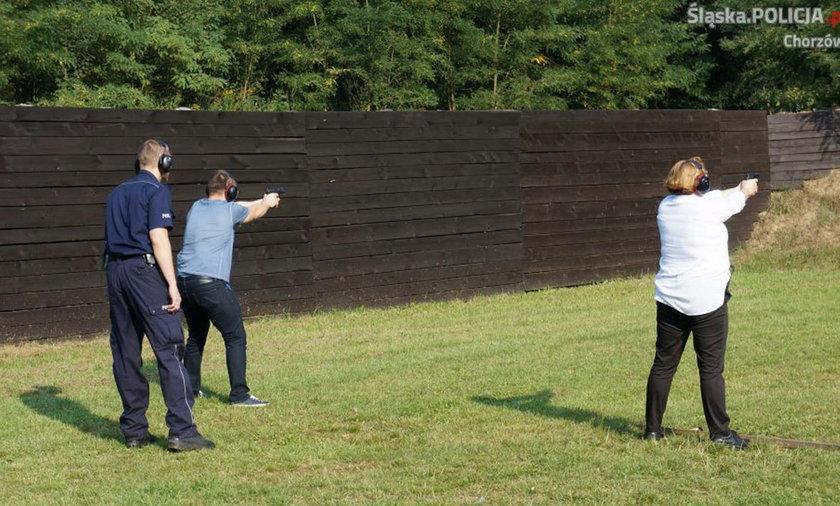 Policjanci odbyli trening na strzelnicy