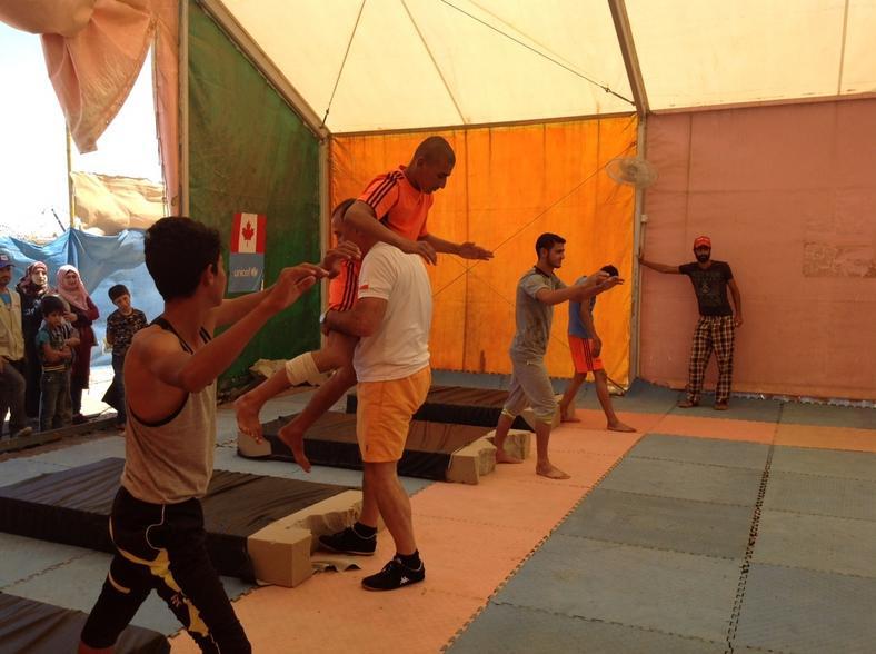 Aleksander Cichoń na treningu w obozie w Zaatari