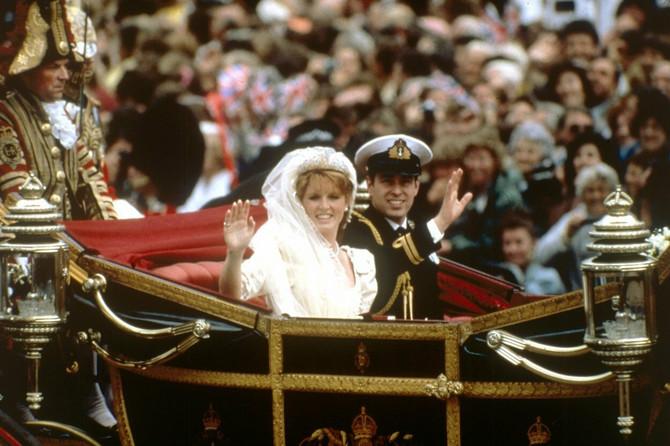 Princ Endrju i Sara na svom venčanju 1986. godine