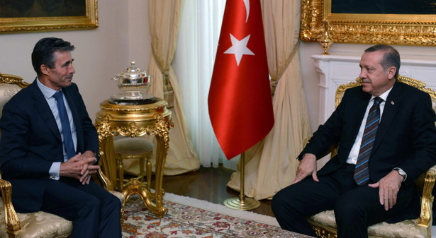 Sekretarz generalny NATO Anders Fogh Rasmussen i premier Turcji Recep Tayyip Erdogan EPA/TURKISH PM PRESS OFFICE